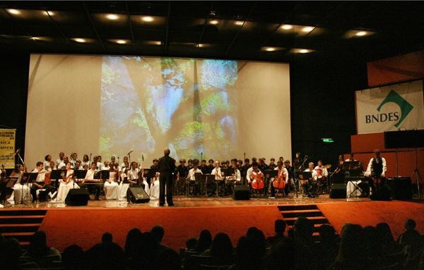 1ª Mostra Brasitália Concerto Orquestra Tocante
